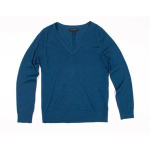 Banana Republic 100% Merino Wool V Neck Sweater